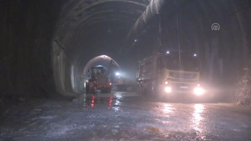 Yeni Zigana Tüneli'nde ışığa 11 kilometre kaldı