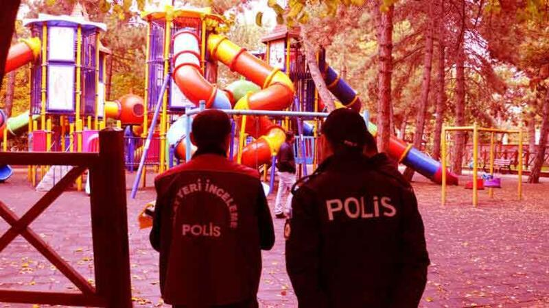 Liselilerin parkta bıçaklı kavgası: Ölü ve yaralılar var