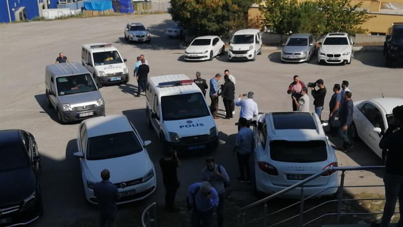 Denizlispor'da büyük skandal! Silahla kulüp binasını bastılar...