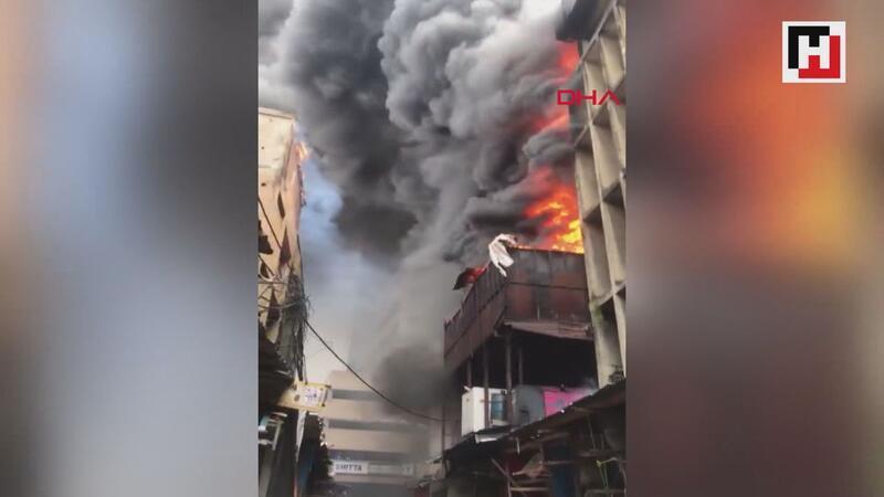 Nijerya'da bir alışveriş merkezinde yangın