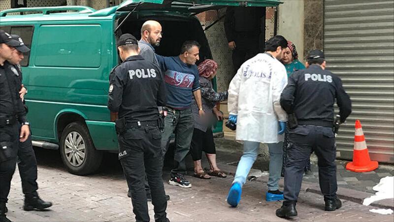 Zeytinburnu'nda kavga eşini, oğlunu ve damadını vurdu