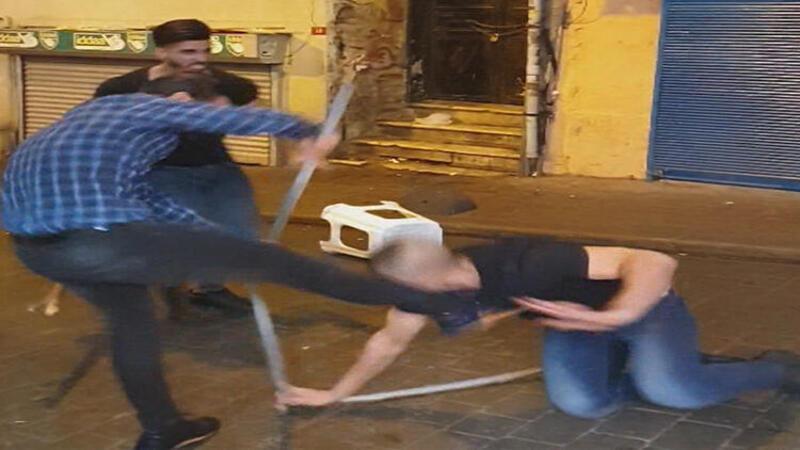 İki grup arasında tekme ve sopalı kavga
