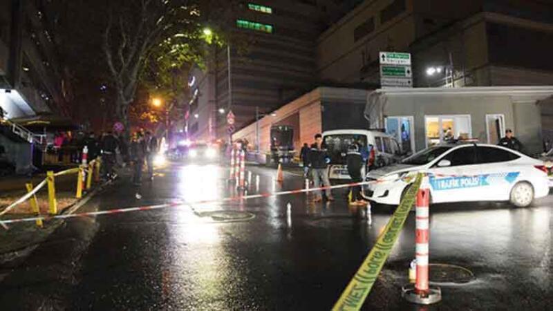 Sokak ortasında iki kişiyi kurşun yağmuruna tuttu