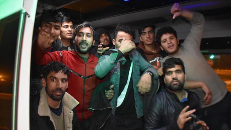Yunanistan'dan 30 göçmenin Türkiye'ye itildiği iddiası