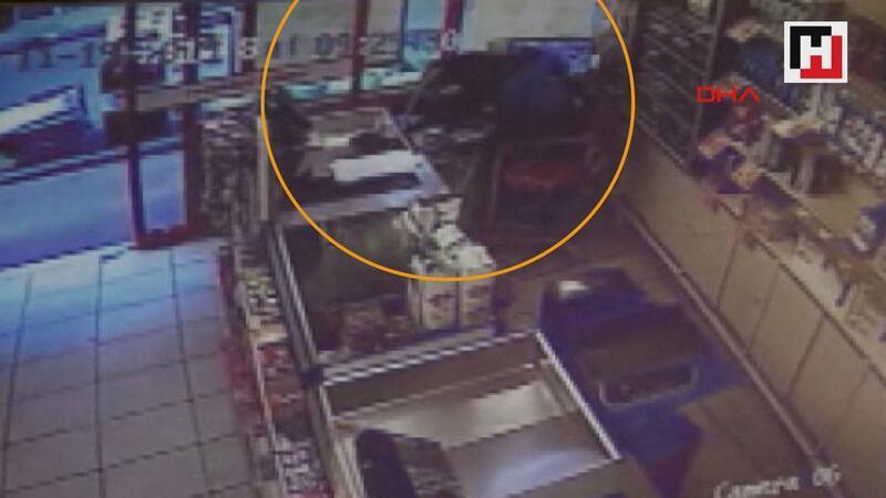 Markete giren maskeli hırsız, 20 bin lira çalarak kayıplara karıştı