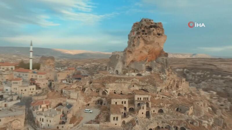 Kapadokya'da dünyanın tek doğal gökdeleni bulunuyor