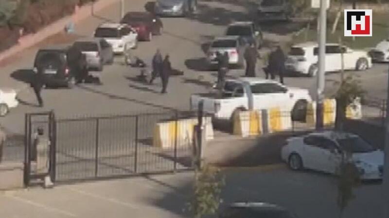Batman'da adliye önünde silahlı kavga 1 ölü, 3 yaralı