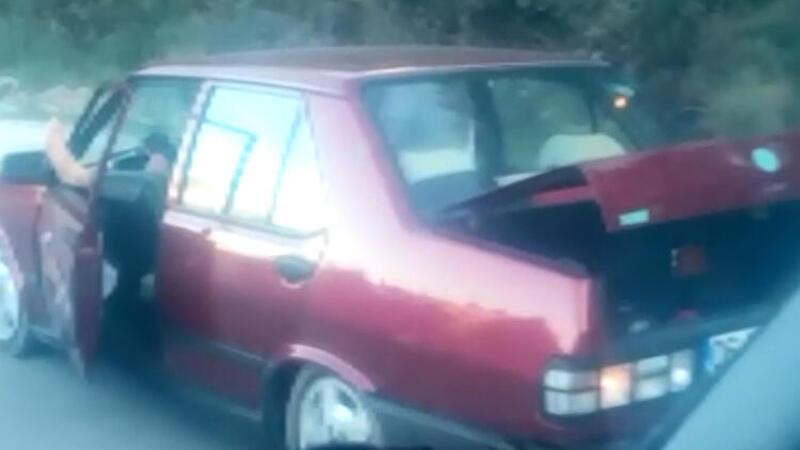 Ayağını pencereden uzatarak seyreden sürücüye ceza