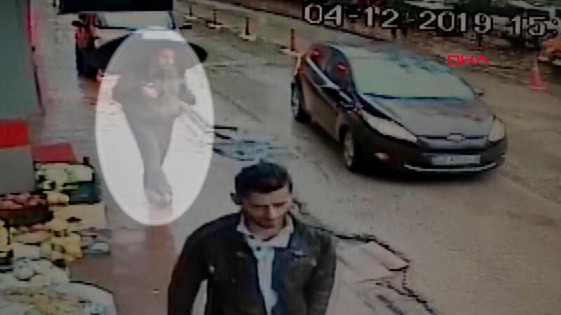 Ceren Özdemir'in katili cinayetten sonra sokakta böyle gezmiş