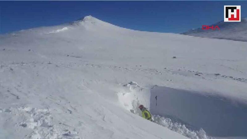 AFAD ekipleri, kayıp dağcıları kurtarma çalışmalarını kameraya anlattı