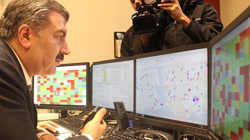 Sağlık Bakanı Koca'dan gece yarısı 112 ve hastane ziyareti