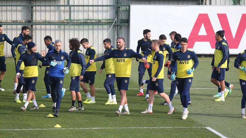 Fenerbahçe'de Sivasspor mesaisi sürüyor