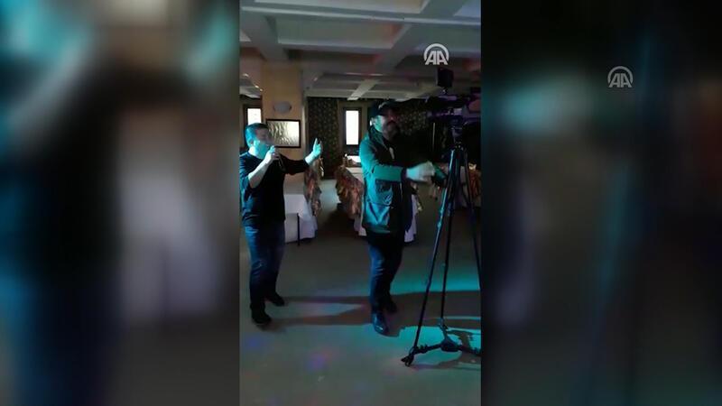 Kameramanın, kamerasıyla dansı ilgi odağı oldu