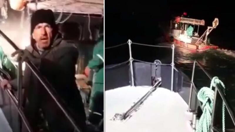 Ege Denizi'nde yasak avlanan balıkçıların teknesi kovalamacayla durduruldu