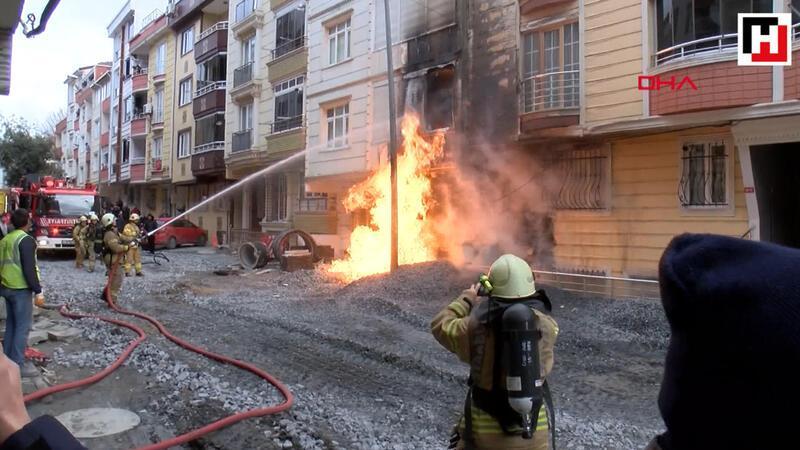 Esenyurt'ta iş makinesi doğal gaz borusunu patlattı