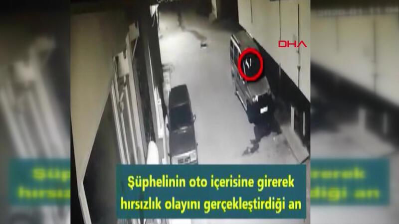Çaldığı televizyonu taşırken kameralara yakalandı