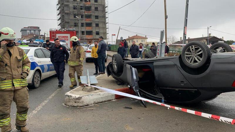 Sultanbeyli'de otomobil takla attı