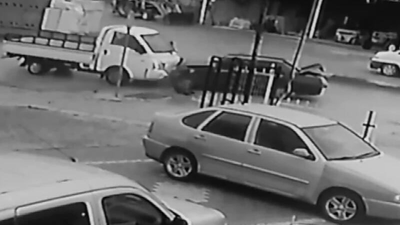 Karşılıksız aşk kazası kamerada