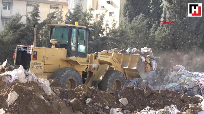 İzmir'de sokağa atılan moloz yığınına tepki