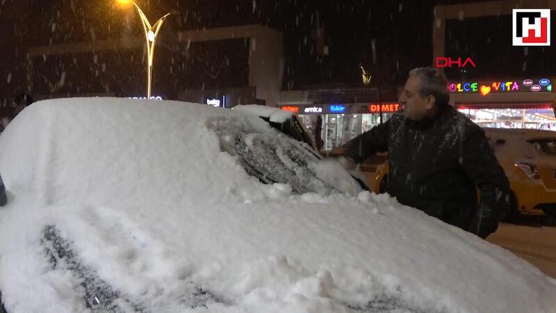 Erciş'te yılın ilk karı