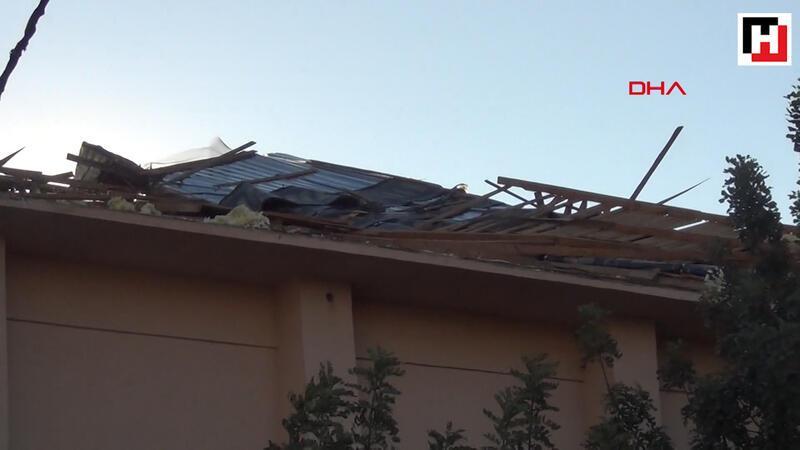 Adana'da fırtına maddi hasara neden oldu