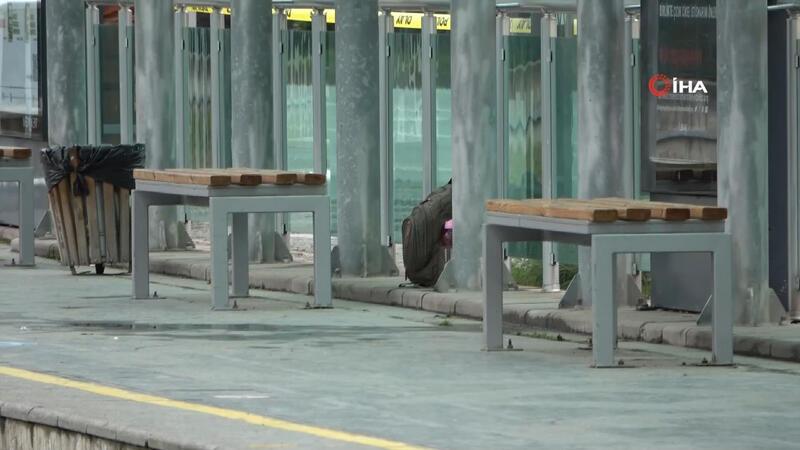 Tramvay istasyonunda şüpheli çanta paniği