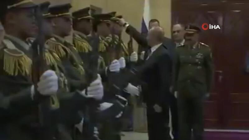 Rus lider Putin'den Filistinli askere jest
