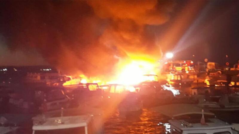 Kartal'da 6 tekne alev alev yandı!