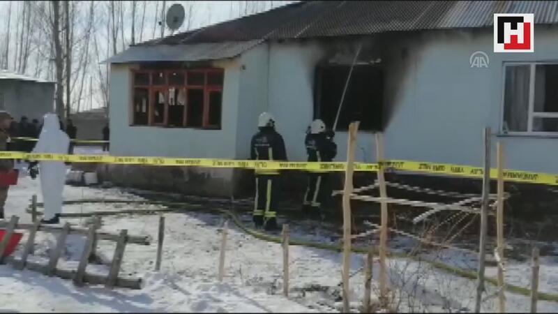 Ev yangınında iki kardeş öldü