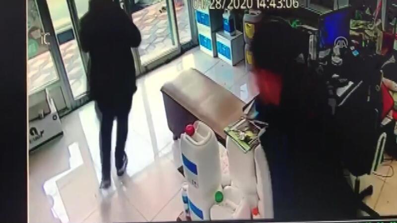 Manisa Kırkağaç'ta deprem anı kamerada