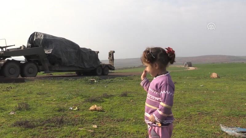 İdlib'deki gözlem noktalarına tank sevkiyatı