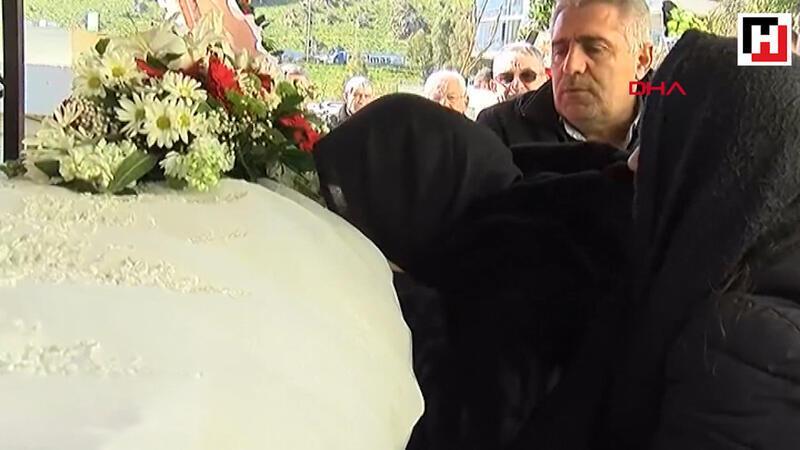 Uçak kazasında hayatını kaybeden Songül Bozkurt toprağa verildi