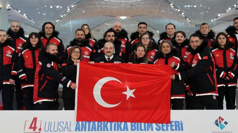 Bakan Varank, Türk Bilim Ekibi'ni uğurladı