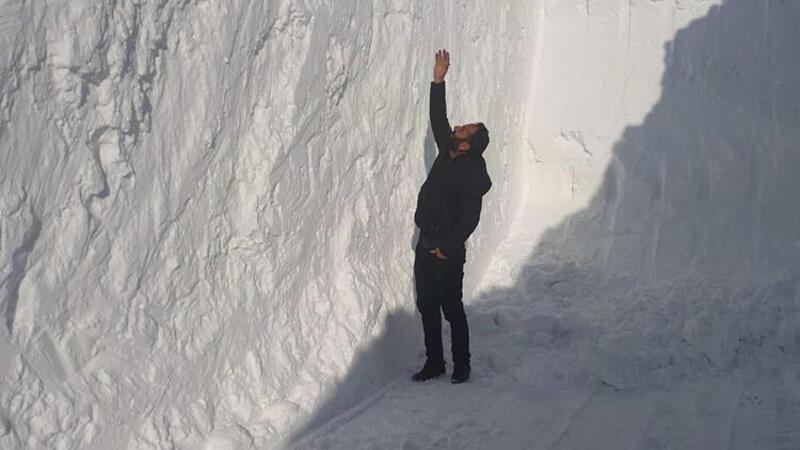 Yüksekova'da kar kalınlığı 6 metreyi aştı