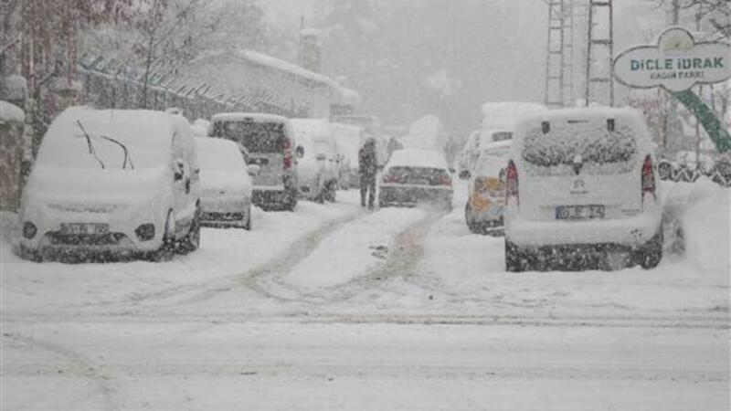 Van'da kar kalınlığı 1 metreyi aştı