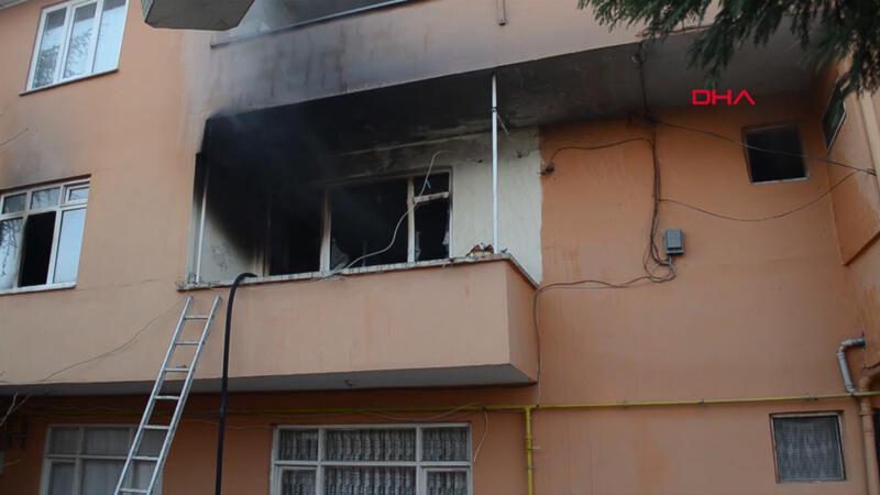 Son dakika! Sakarya'nın Hendek ilçesinde yangın: 1 çocuk öldü