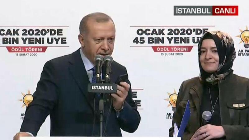 Cumhurbaşkanı Erdoğan'dan canlı yayında AK Parti üyelerine sürpriz telefon