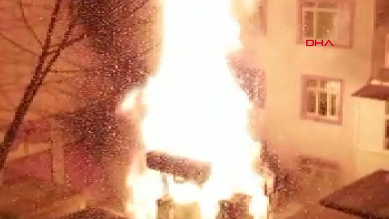 Son dakika! Sultangazi'de trafo yangını