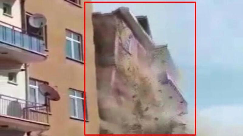 Deprem sonrası ağır hasarlı bina böyle yıkıldı