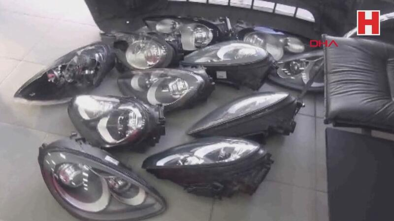 Lüks otomobillerin farlarını çalan çete yakalandı