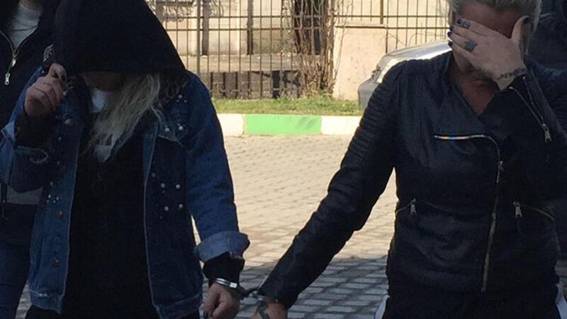 Bir kadını darbedip polise hakaret ettiği iddiasıyla 2 kadın gözaltına alındı