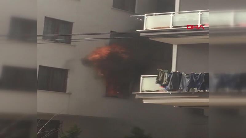 Son dakika! Sancaktepe'de yangın: 2 kişi mahsur kaldı