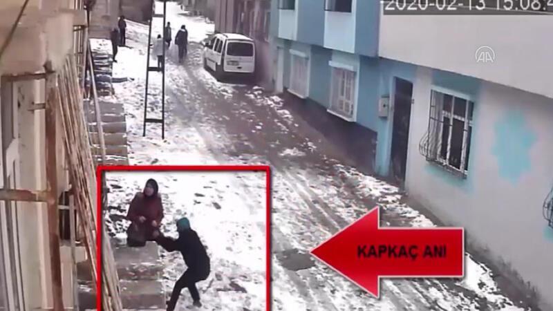 Gaziantep'te kapkaç anı kamerada