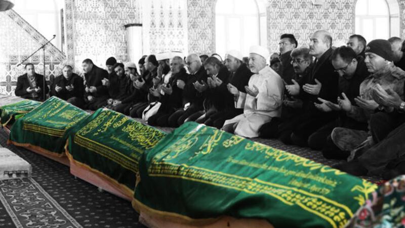 Van depreminde hayatını kaybedenlere cenaze töreni