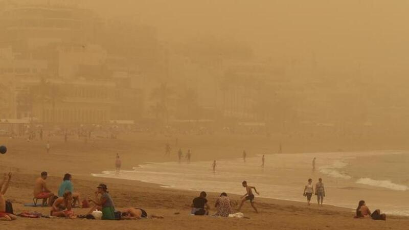 Kanarya Adaları'nı kum fırtınası vurdu