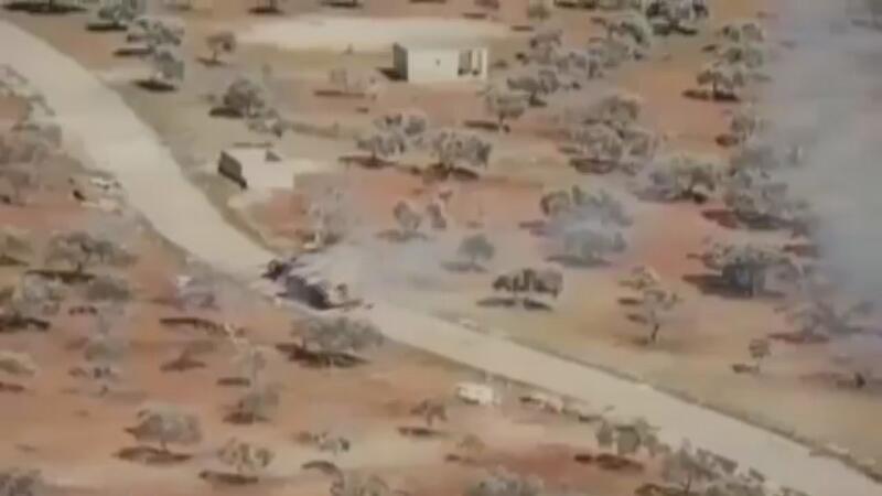 Esad rejimine ait tank ile muhaliflerin zırhlı aracı arasında kovalamaca