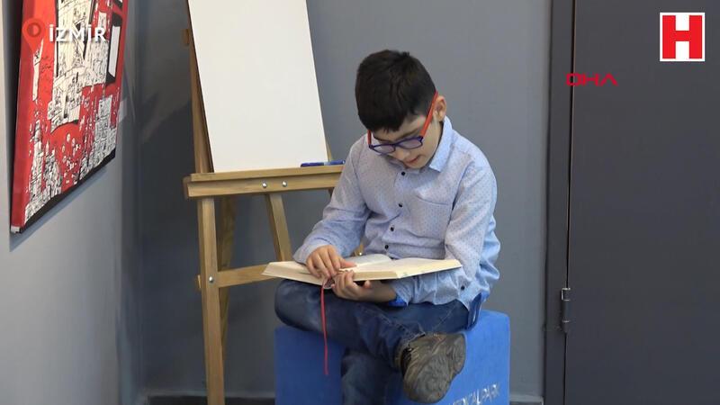 10 yaşındaki Ege, tarihi olayları resme döküyor