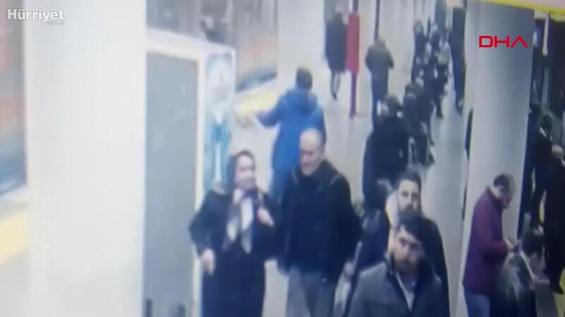 Bayrampaşa'da metro istasyonunda polise saldırı kamerada