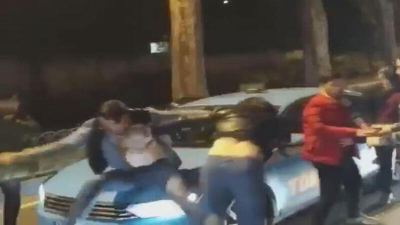 Beşiktaş'ta sürücülerin yumruklu kavgası kamerada
