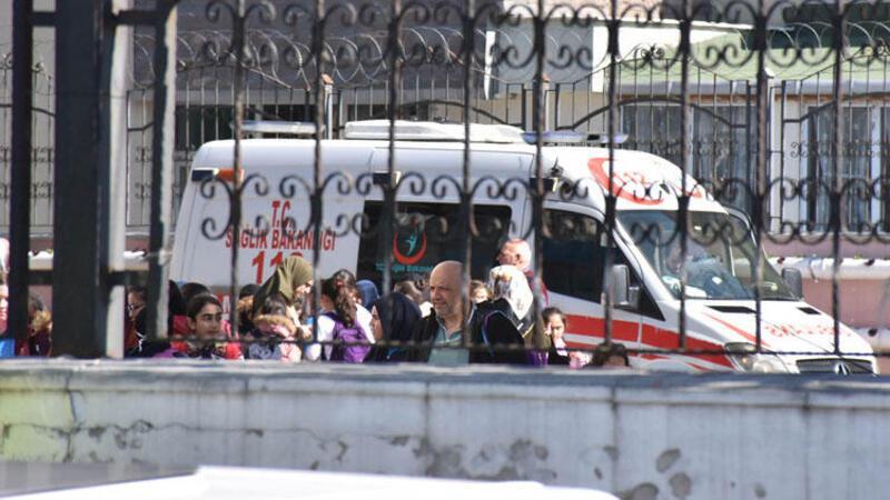 Sultangazi'de okuldaki dezenfekte çalışmalarında 11 öğrenci rahatsızlandı